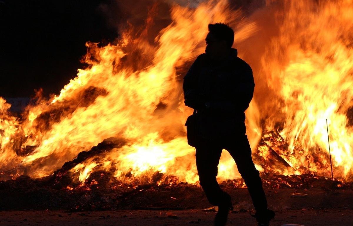 В Тверской области будут судить поджигателя, подпалившего чужой дом по заказу
