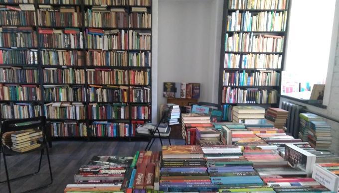 Тверской букинистический магазин «Что делать?» переезжает и распродает книги