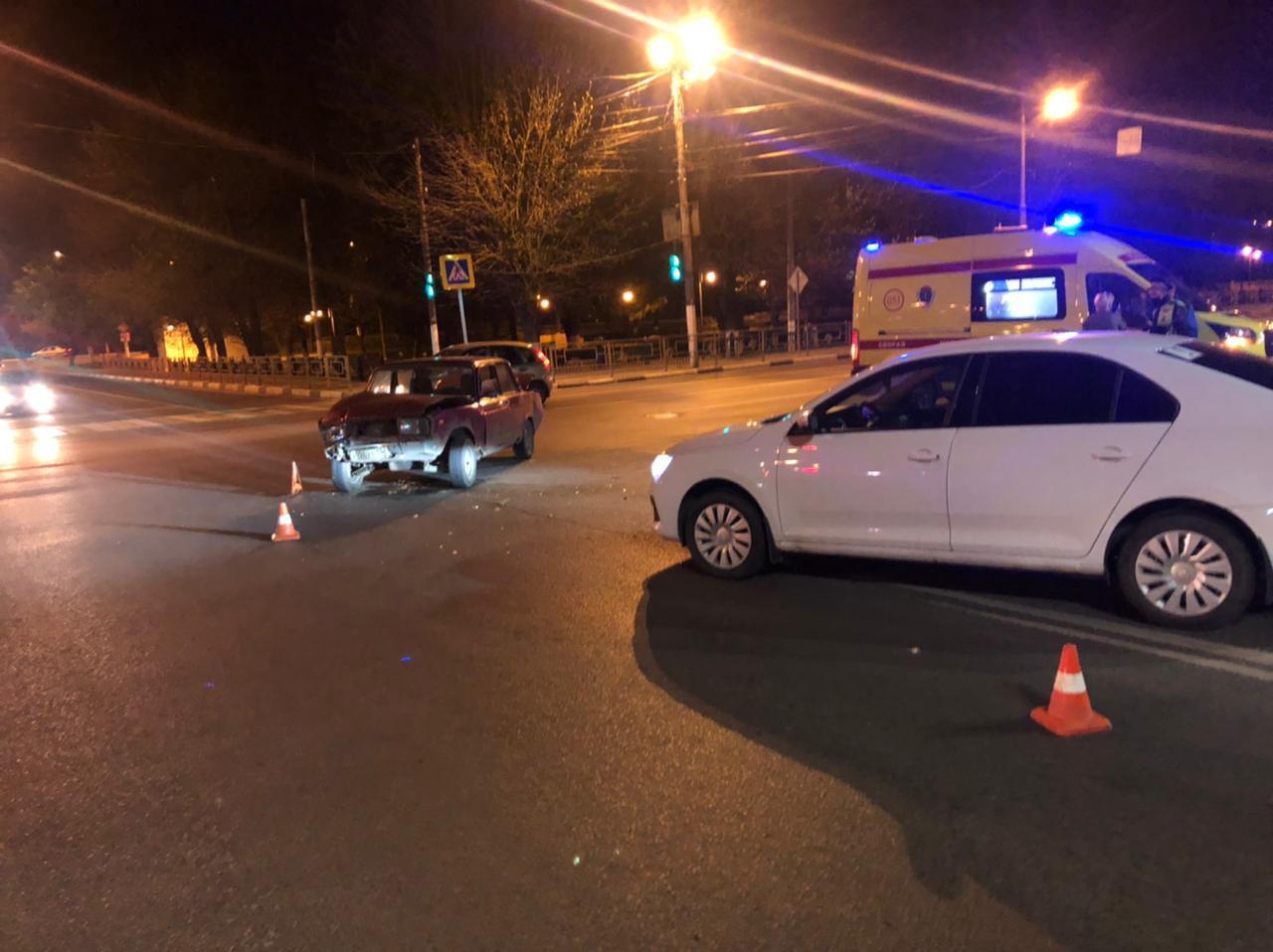 В Твери 21-летняя девушка устроила ДТП с пострадавшим