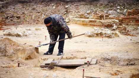В Твери на месте раскопок на Соборной площади обнаружен клад XVI века / фото