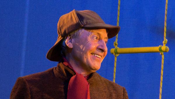 Сегодня в Тверском ТЮЗе состоится большая премьера детского приключенческого детектива «Улыбка Шерлока Холмса» / фоторепортаж