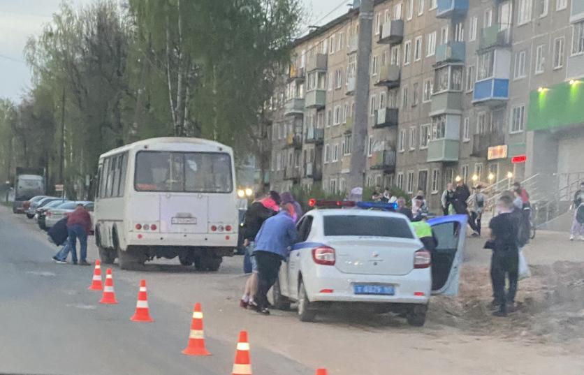 В Тверской области 4-летняя девочка погибла под колесами автобуса - новости Афанасий