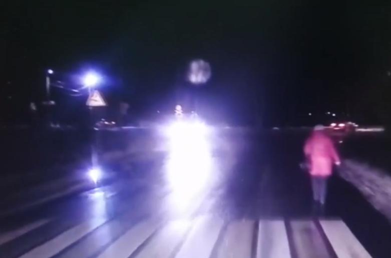 Видео наезда на женщину в Конаково снял регистратор сбившего ее автомобиля - новости Афанасий