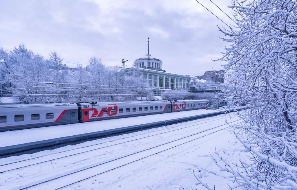 В праздники и каникулы дополнительные поезда назначены между Москвой и Мурманском - новости Афанасий