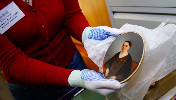 Более двух тысяч экспонатов Тверской областной картинной галереи вернутся в Путевой дворец до конца 2015 года