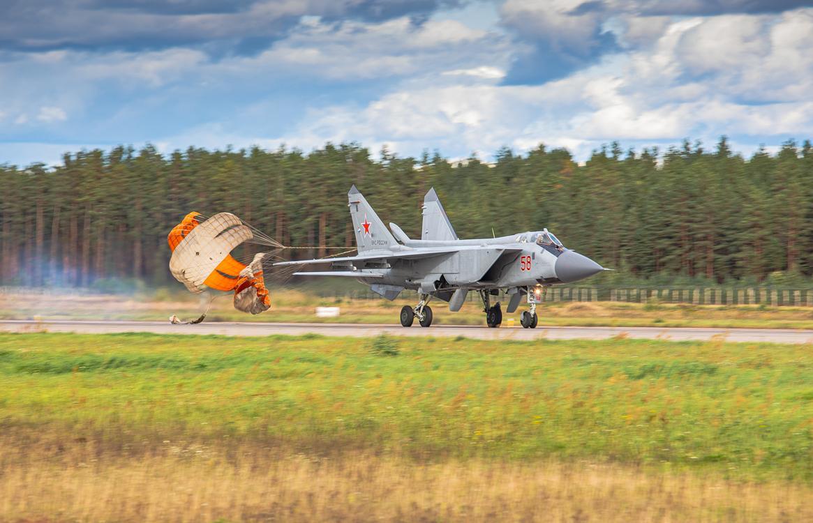 Экипажи истребителей в Тверской области отработали воздушный бой - новости Афанасий