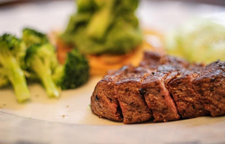 Вегетарианцы торжествуют: вред мяса подтвержден - новости Афанасий