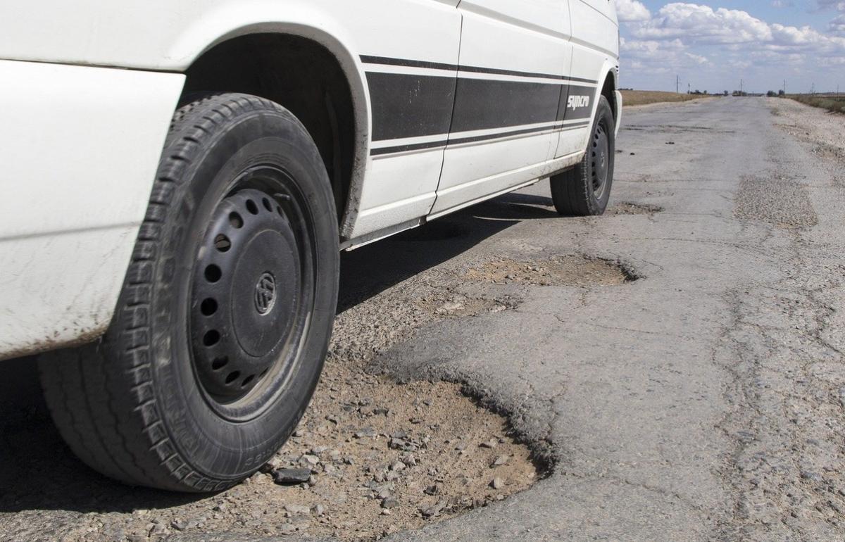 Суд обязал власти отремонтировать дорогу для школьного маршрута в Тверской области - новости Афанасий