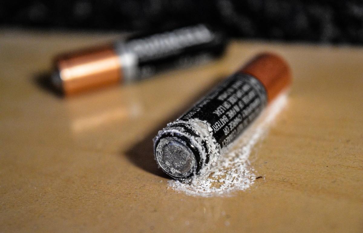 Почему батарейки, градусники и косметику нельзя выкидывать в мусор - новости Афанасий