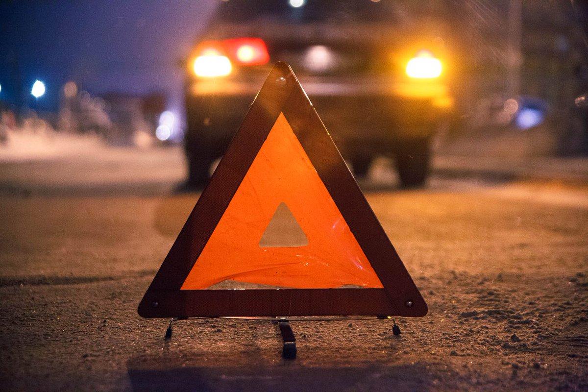 Около 50 тыс рублей отсудил автолюбитель за повреждение машины из-за ямы на дороге в Твери