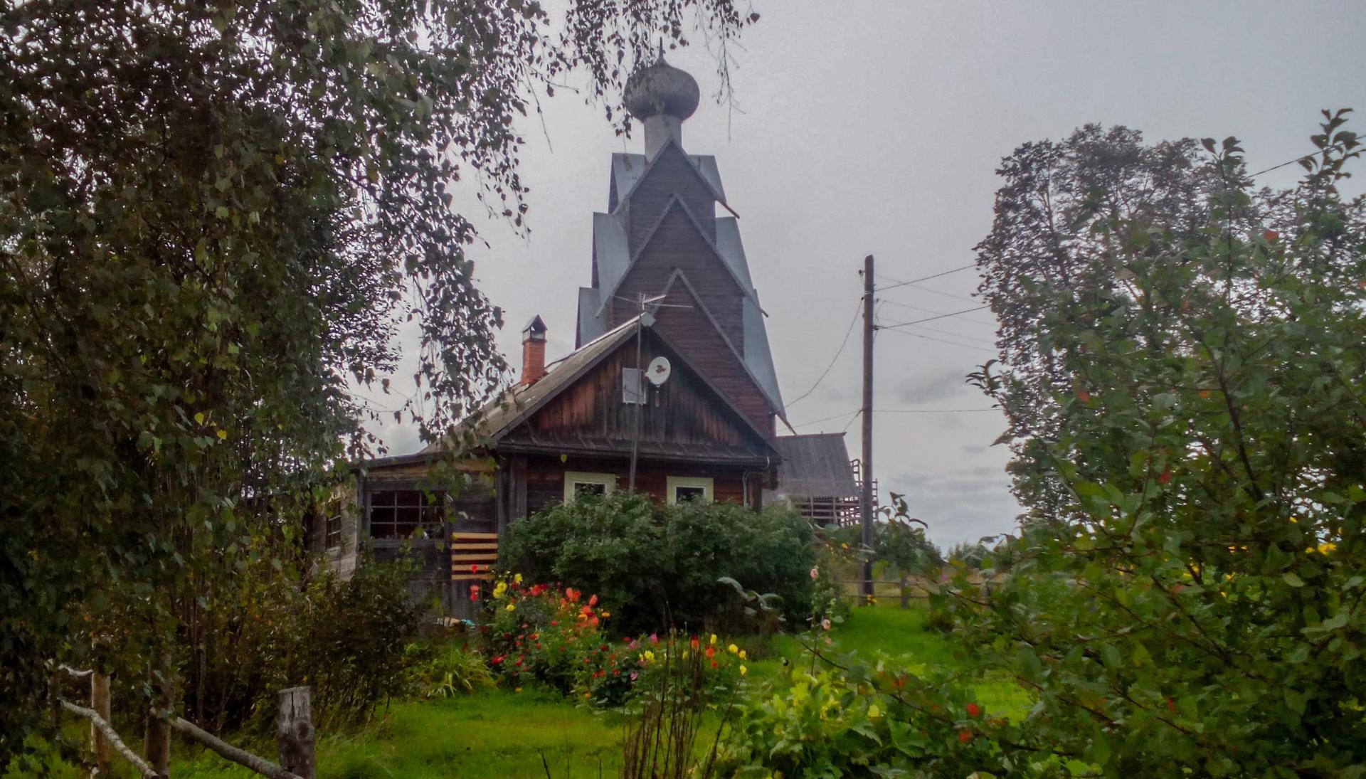 В Тверской области отремонтируют дороги, ведущие к уникальной деревянной церкви