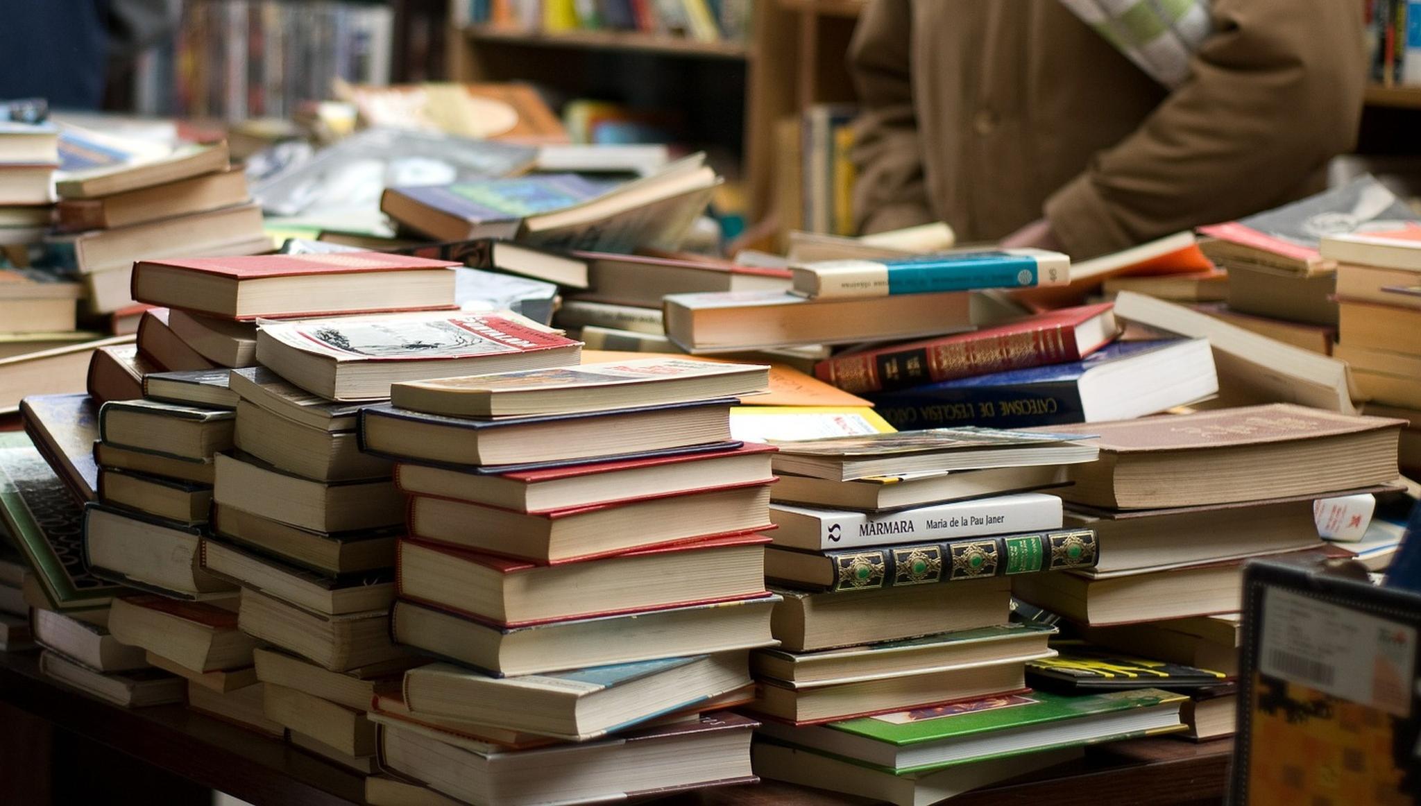 Жителей Твери приглашают на глобальную распродажу книг по рублю - новости Афанасий