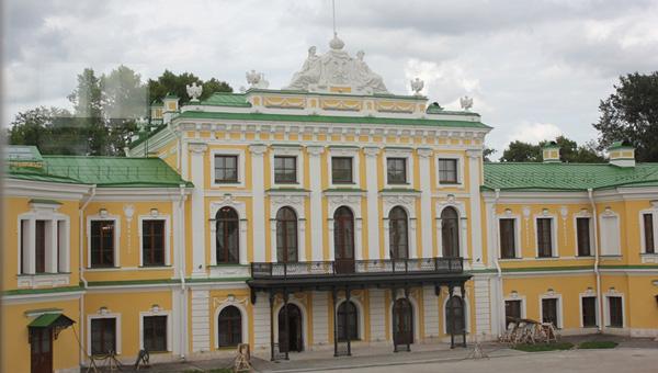 Императорский дворец Твери снова приглашает на экскурсии