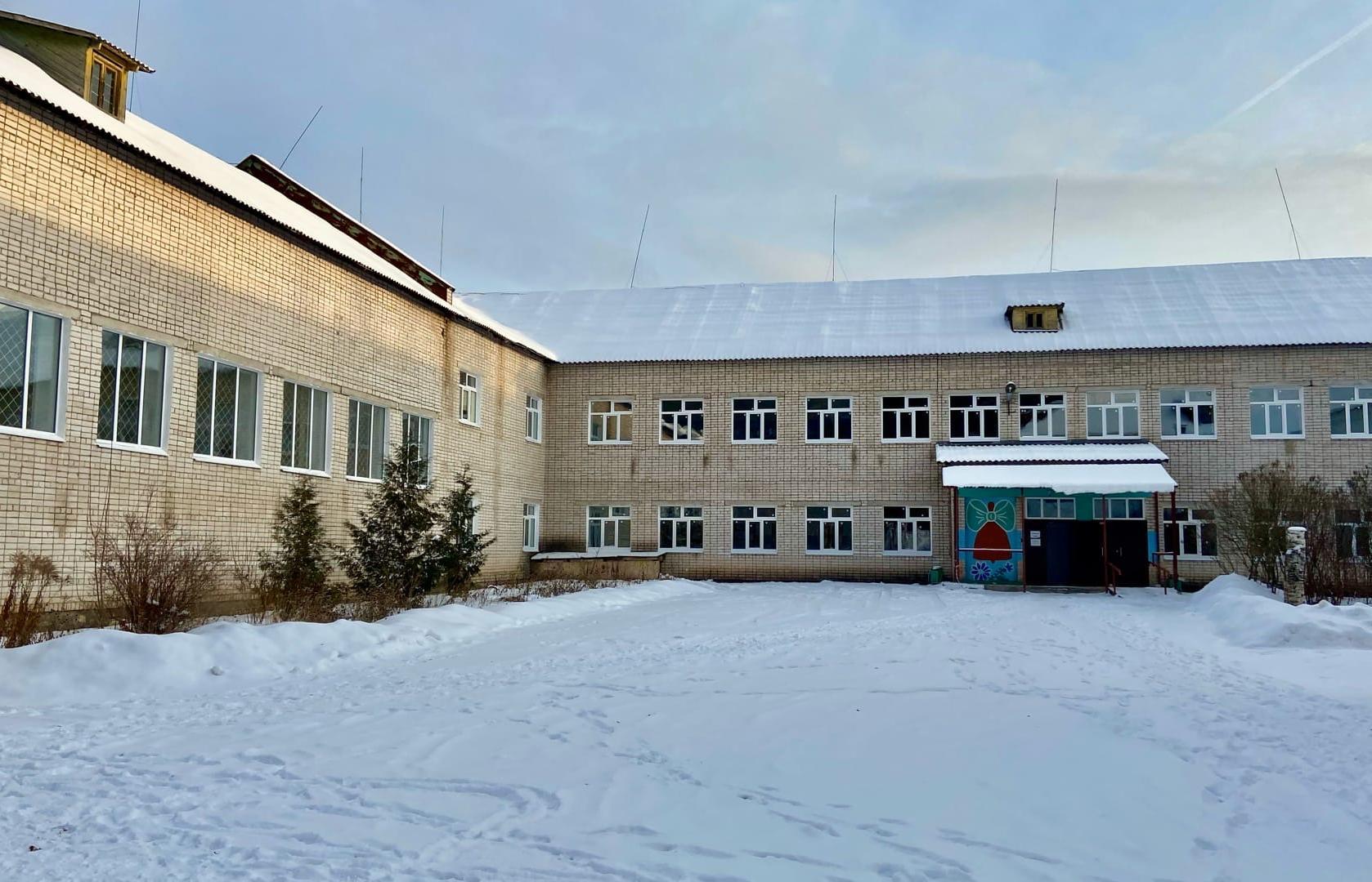 В Максатихинской школе обновили окна  - новости Афанасий