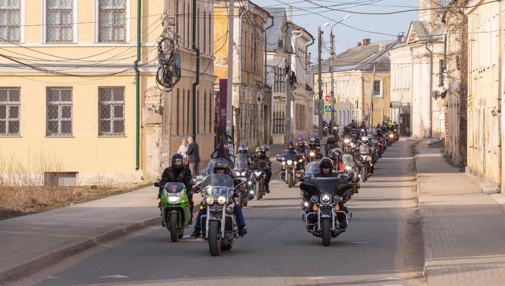 В Торжке байкеры открыли мотосезон большим праздником - новости Афанасий