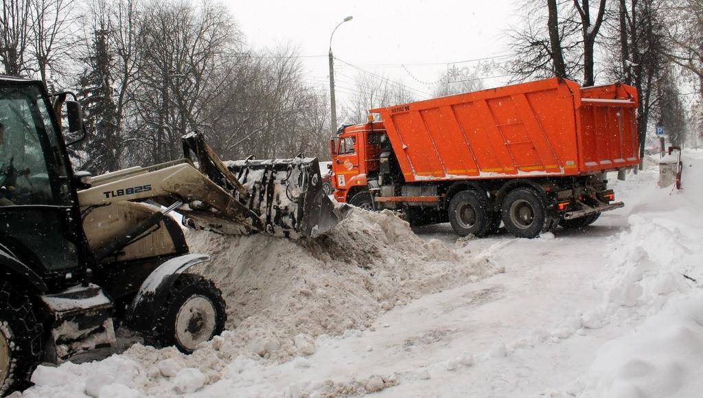 Около 12 тысяч кубометров снега вывезли с улиц Твери за четыре дня - новости Афанасий