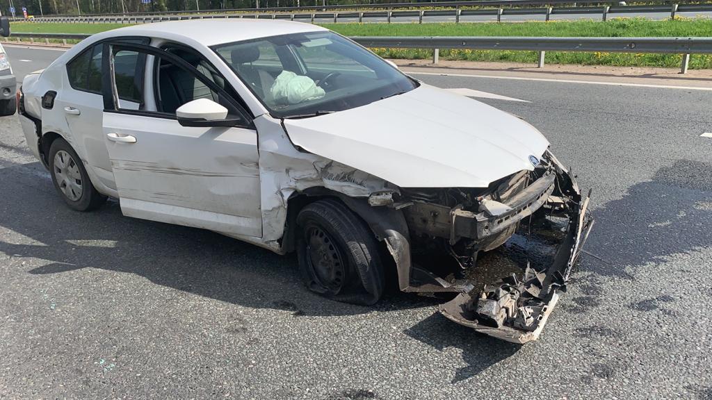 Не пристегнутый ремнем безопасности пожилой водитель уснул за рулем и попал в ДТП в Тверской области