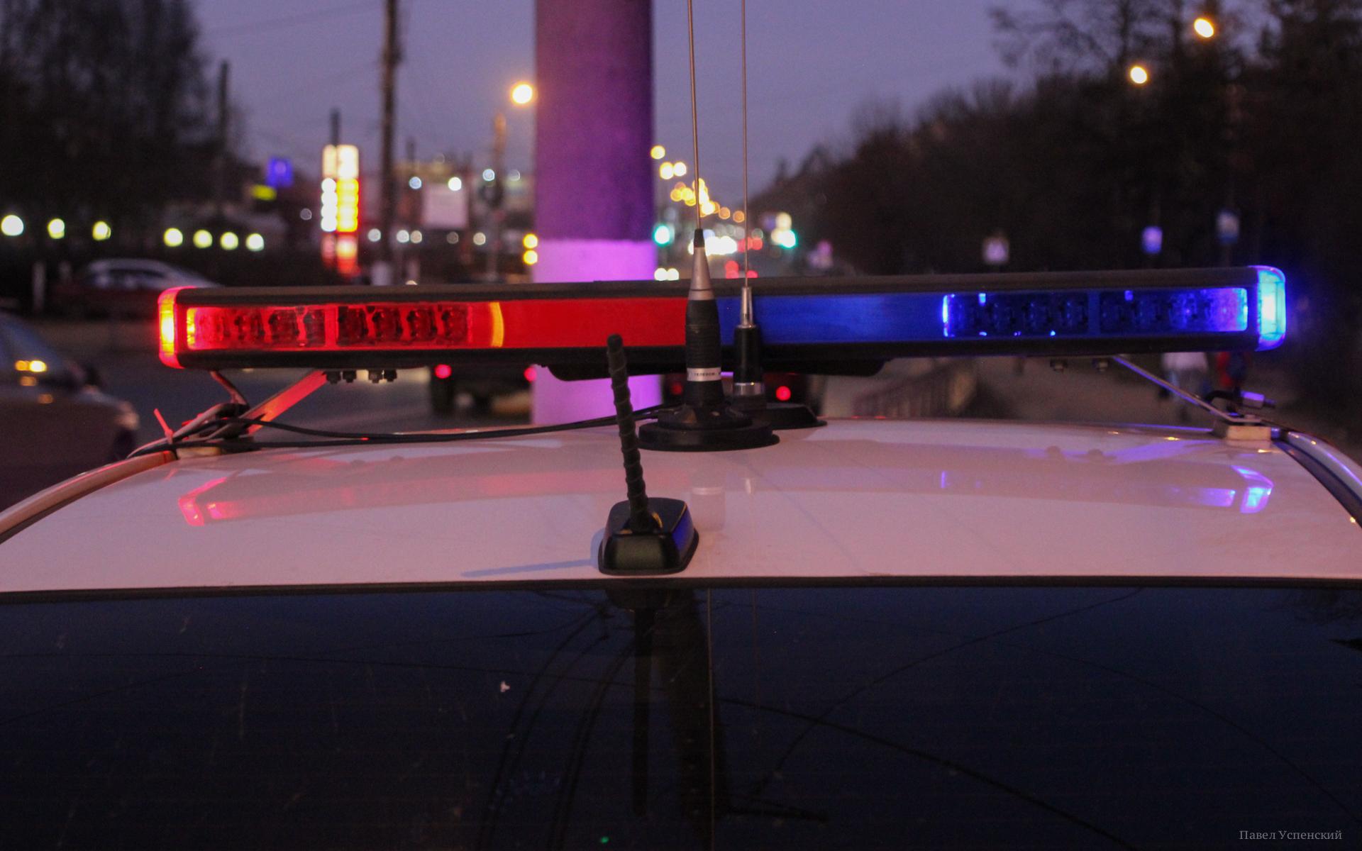 Уснувший за рулем водитель и 16-летняя девочка получили травмы в ДТП на М10 в Тверской области