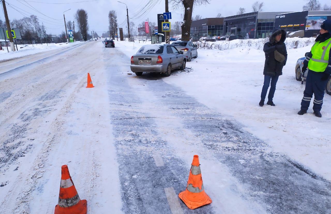 В лобовом ДТП на Московском шоссе в Твери травмы получил пассажир легковушки - новости Афанасий