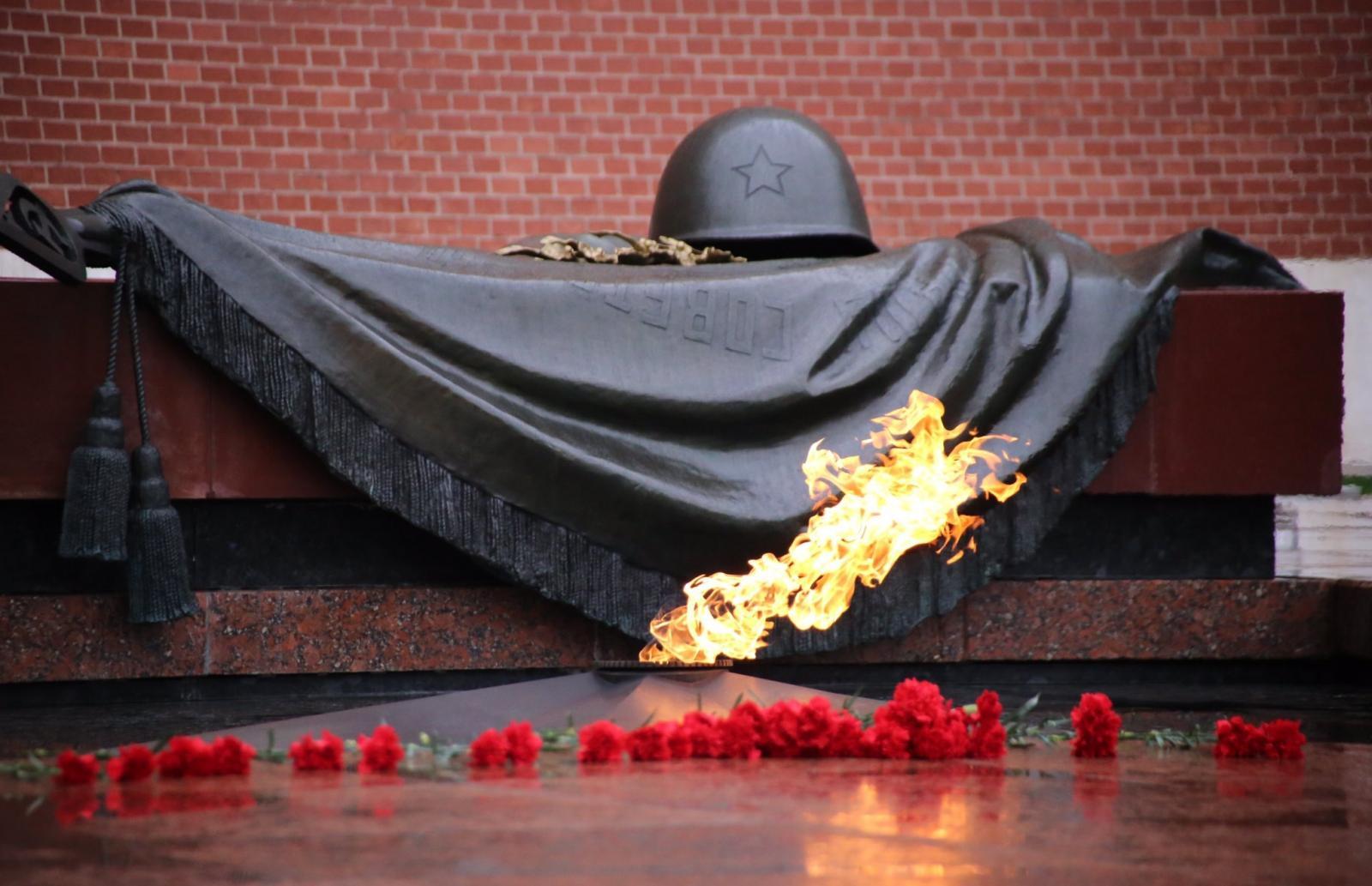 В Тверскую область привезут пламя от Вечного огня с могилы Неизвестного солдата - новости Афанасий