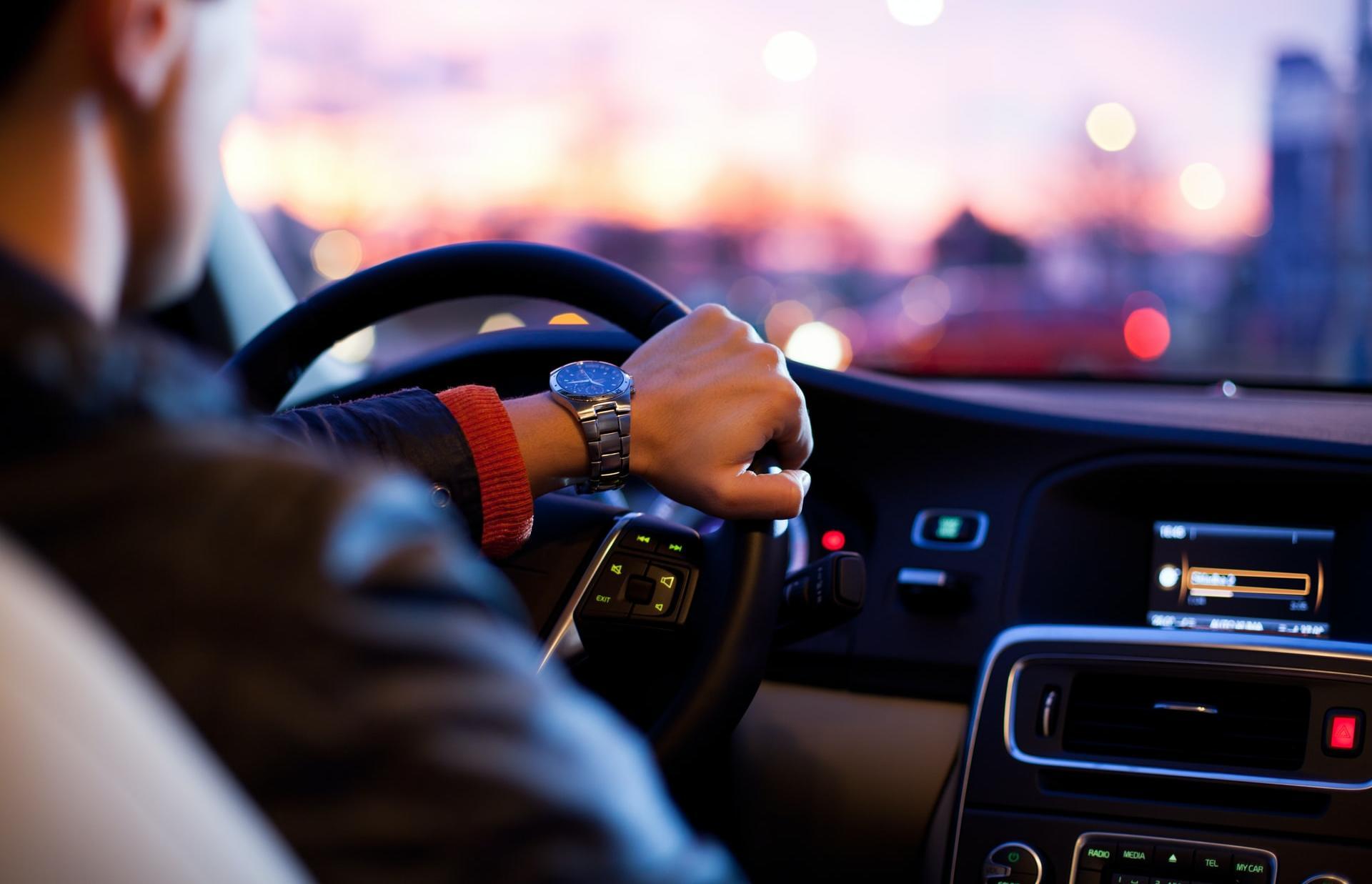 Персональный водитель в Твери может получать до 95 тыс рублей - новости Афанасий