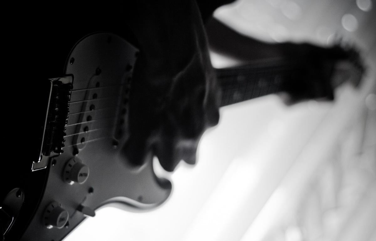 В Твери «Другие Люди» будут играть песни Земфиры - новости Афанасий