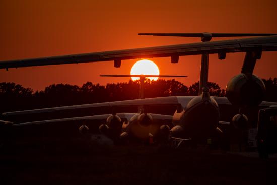 Ночью в Тверской области экипажи тяжелых самолетов отработали взлет с «конвейера» - новости Афанасий