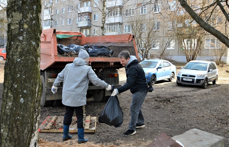 В Твери на первом субботнике убрали 200 кубометров мусора - новости Афанасий