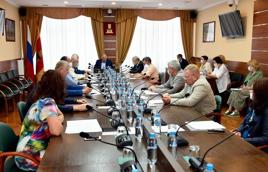 Утвержден график заседаний постоянных комитетов и Законодательного Собрания Тверской области в июле 2021 года - новости Афанасий