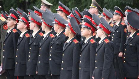 В России отмечают 70-летие со дня создания первых суворовских училищ