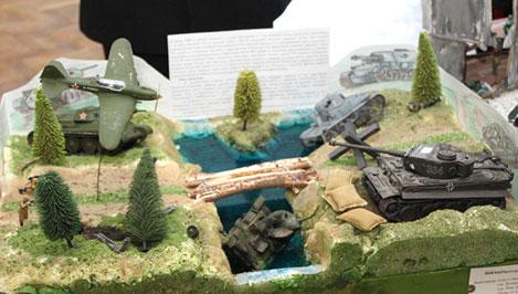Ко Дню защитника Отечества тверские суворовцы мастерили макеты боевой техники и сцен военных сражений