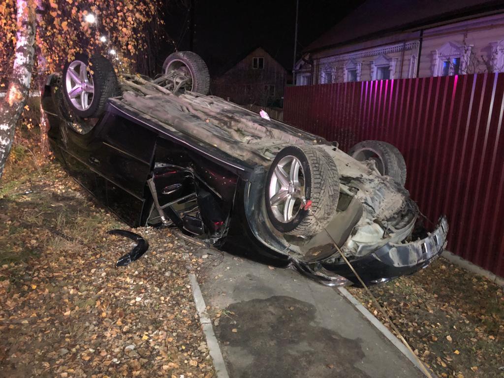 В перевернувшемся в Тверской области Mercedes пострадал пассажир - новости Афанасий