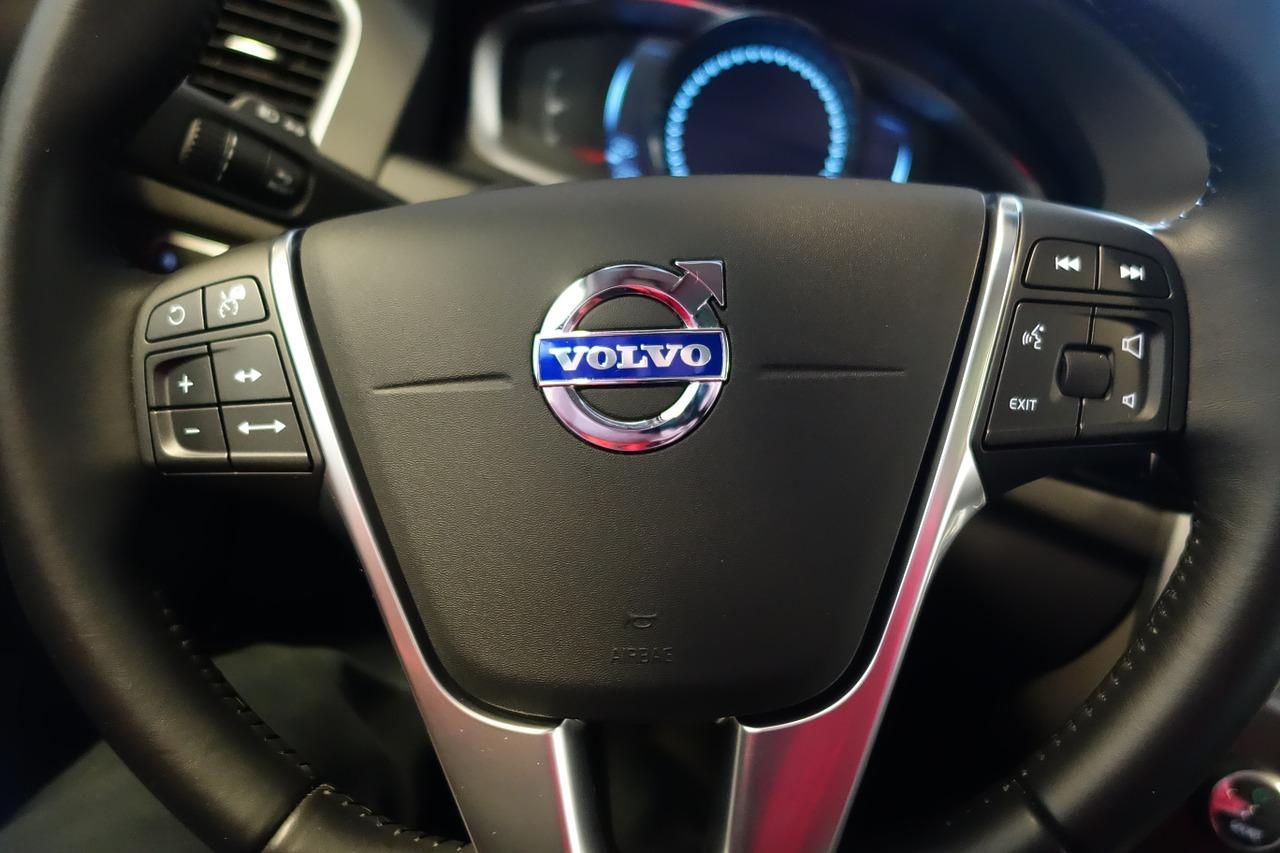 Volvo отзывает более 2 млн автомобилей из-за неисправности креплений ремней безопасности - новости Афанасий