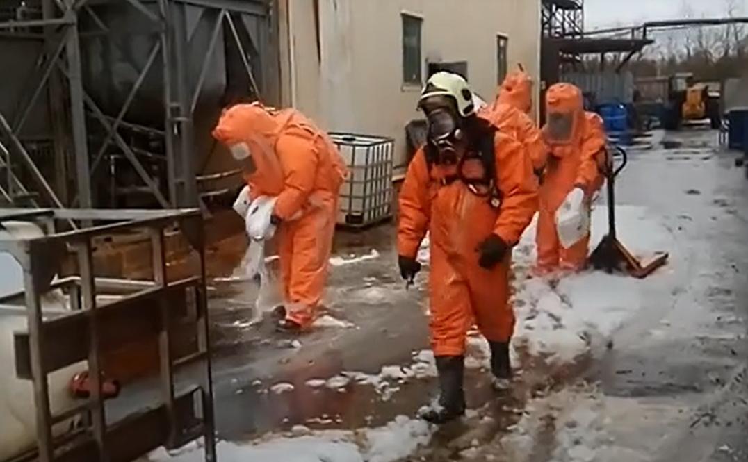 Как ликвидируют последствия ЧП на Редкинском опытном заводе в Тверской области