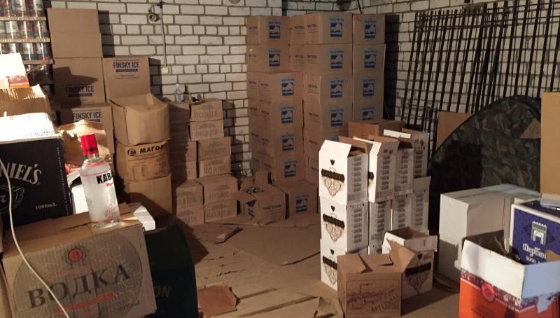 Со склада в Тверской области изъяли более 12 тысяч бутылок «паленой» водки