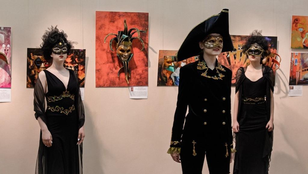 Жителей Твери приглашают на арт-вечер на выставке «Венецианский карнавал» - новости Афанасий