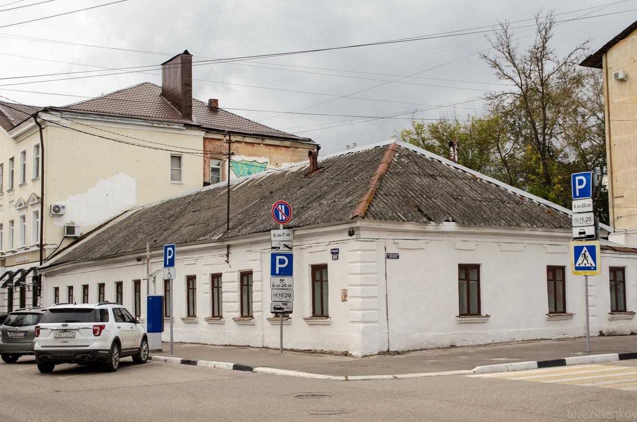 Спустя много лет от строительной сетки освободили фасад дома в центре Твери - новости Афанасий