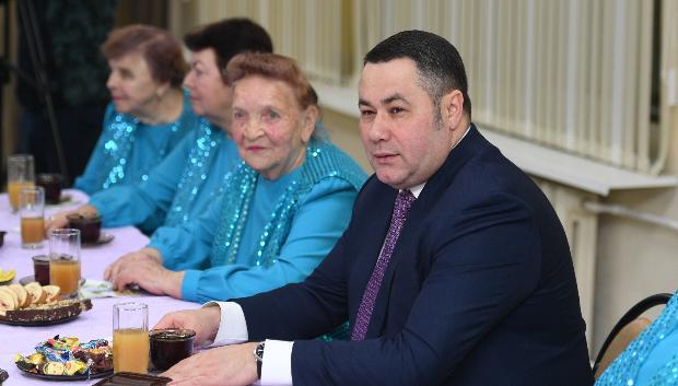 Губернатор Тверской области встретился с артистами из ансамбля «Метелица»