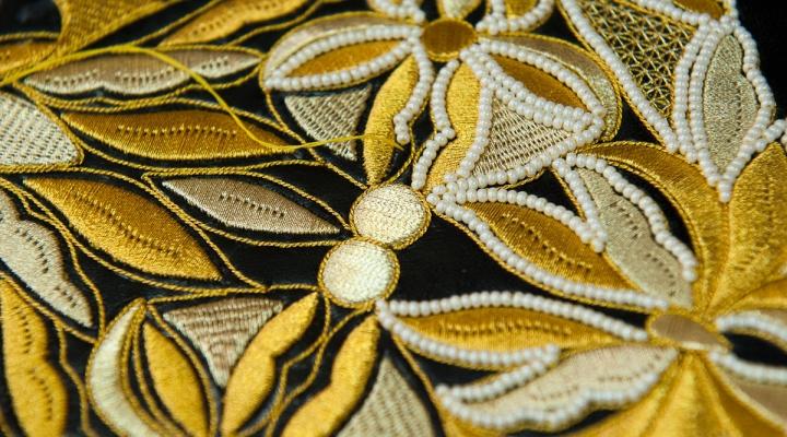 золотого шитья