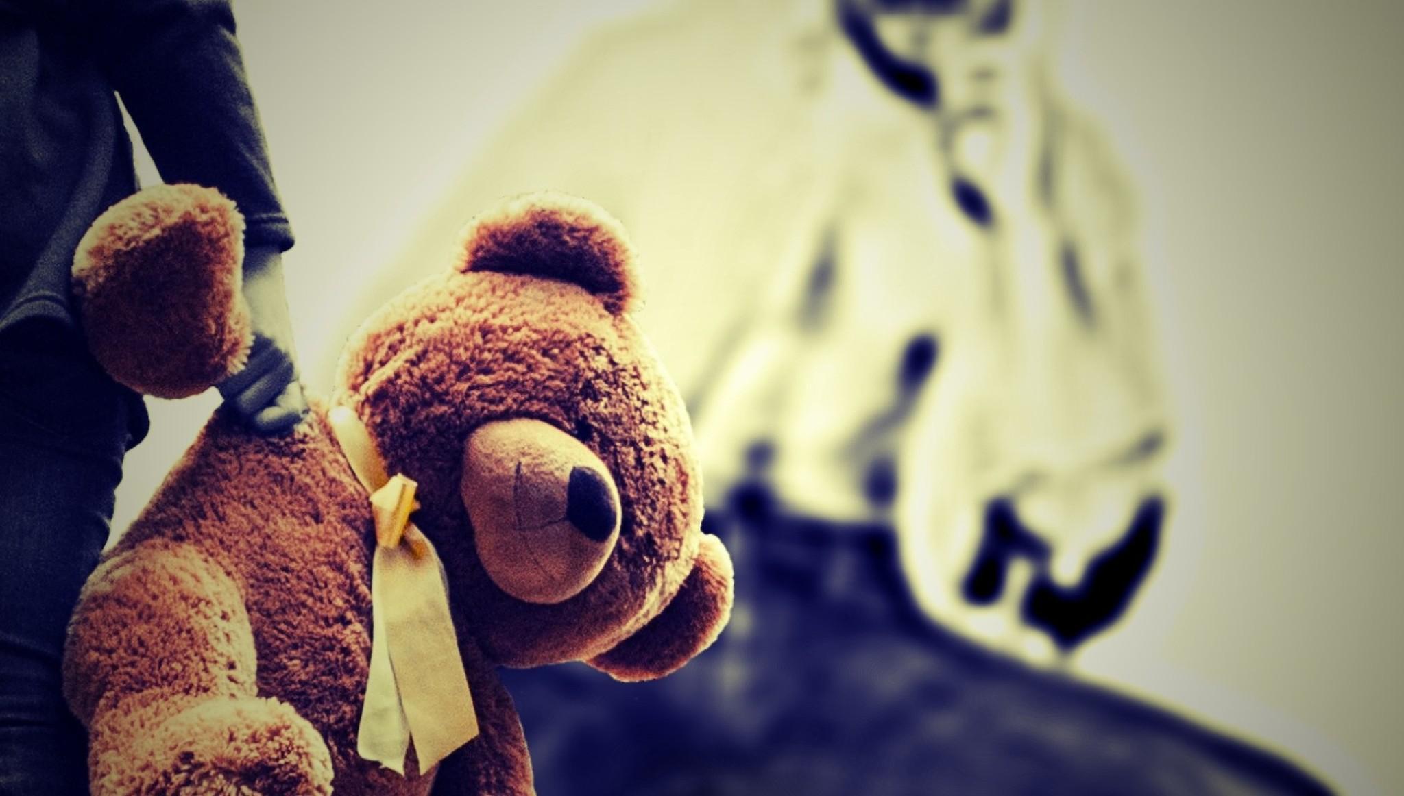 Педофил, надругавшийся над 7-летней девочкой в Твери, проведет за решеткой 20 лет и будет лечиться у психиатра - новости Афанасий