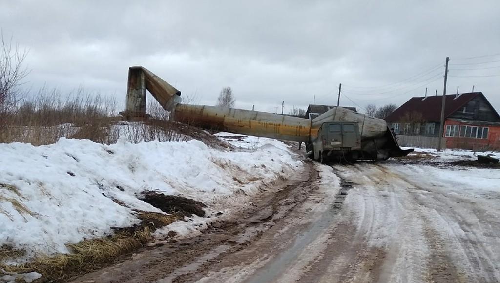В деревне в Тверской области рухнула водонапорная башня - новости Афанасий