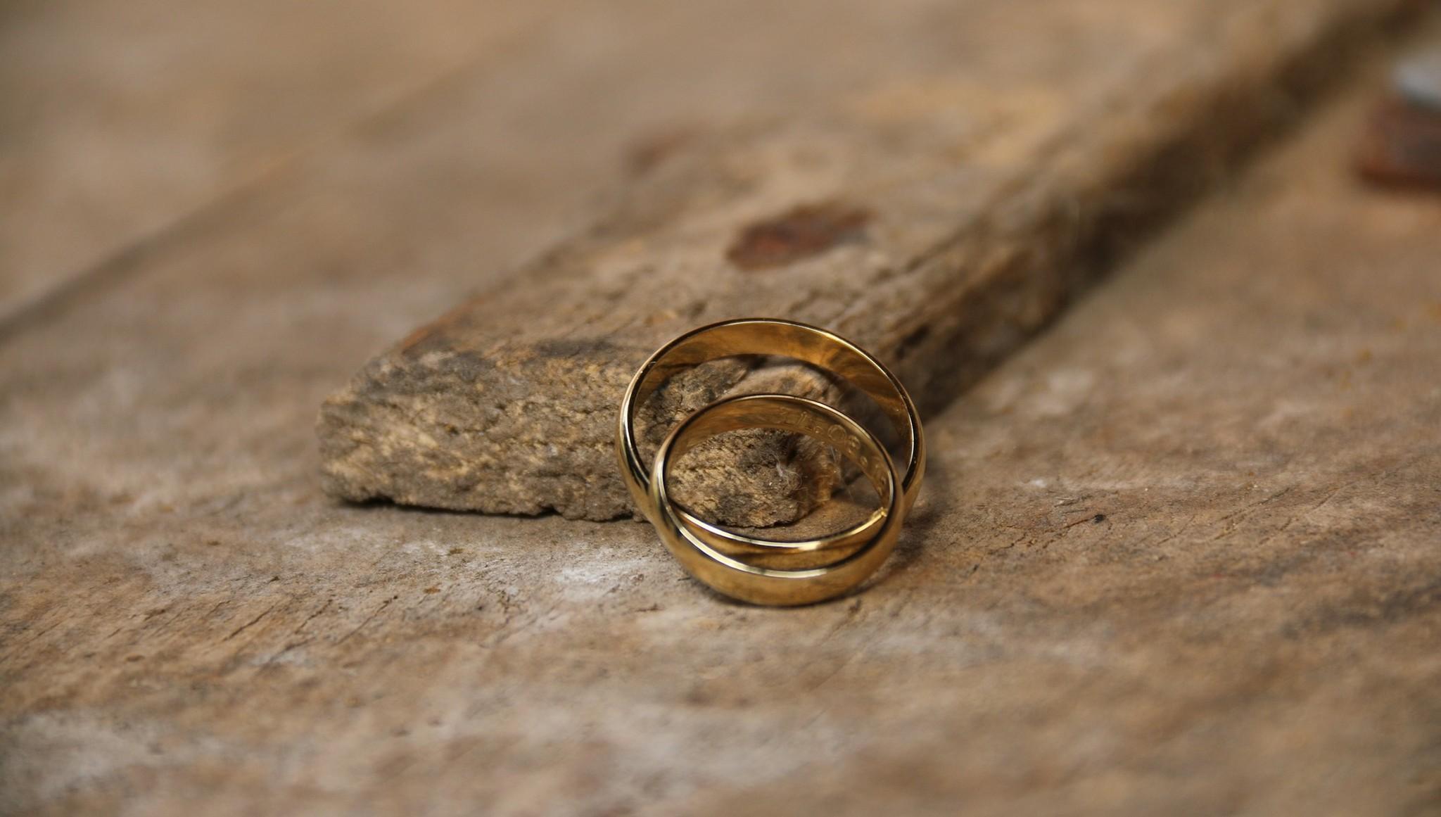 В Твери россиянка и гражданин Таджикистана фиктивно поженились и развелись
