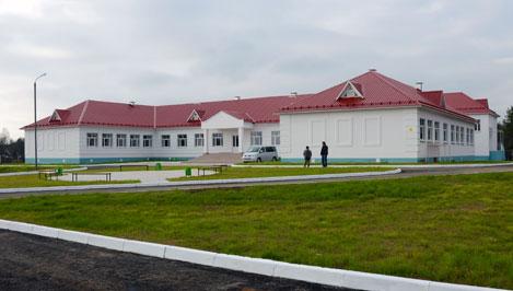 В Осташковском районе открывается новая школа, которую строили больше 10 лет