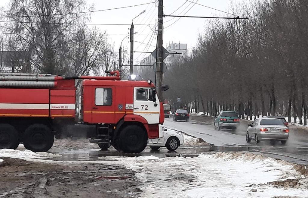 В Твери пожарные по тревоге выехали в клуб «Диско 90-х» - новости Афанасий