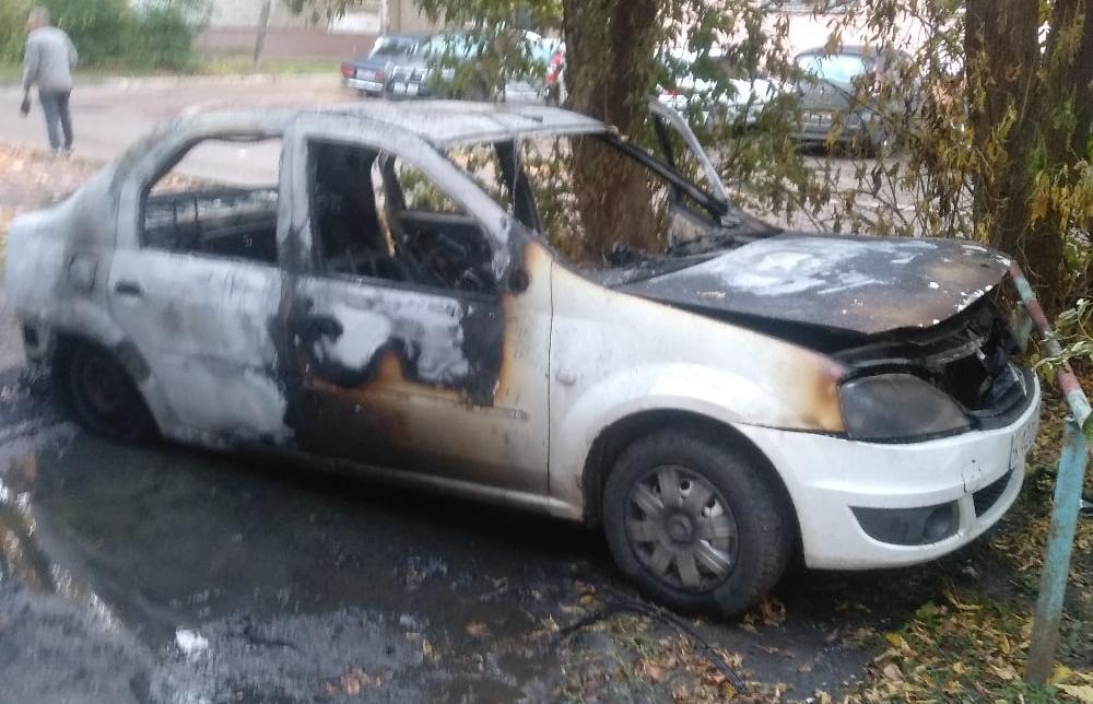 В Твери в ночь на вторник сгорела иномарка - новости Афанасий