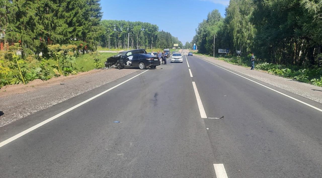На бежецкой трассе в Тверской области водитель разбился насмерть