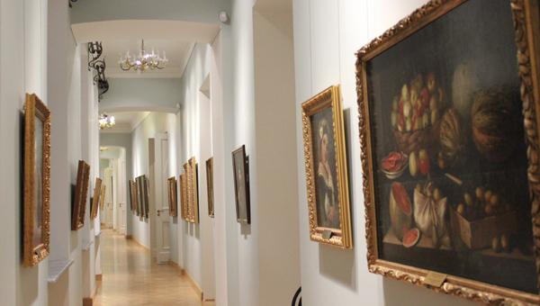 Специалисты Третьяковки и Эрмитажа посетили Тверской императорский дворец