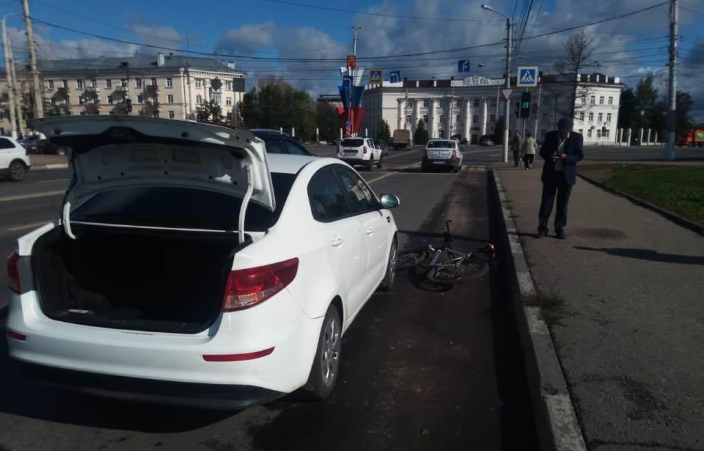 В Твери велосипедист врезался в открытую пассажиром автомобиля дверь - новости Афанасий