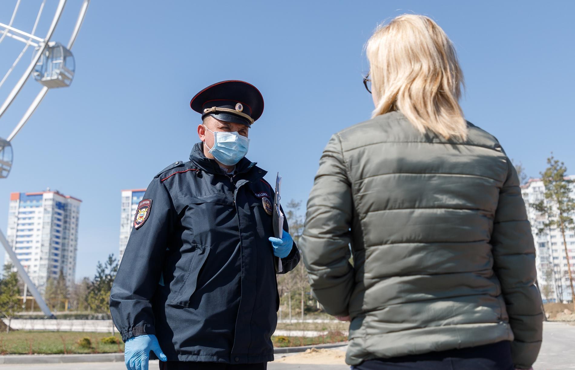 В Твери антимасочники вызвали полицию, чтобы пожаловаться на продавца, но сами оказались в отделении - новости Афанасий
