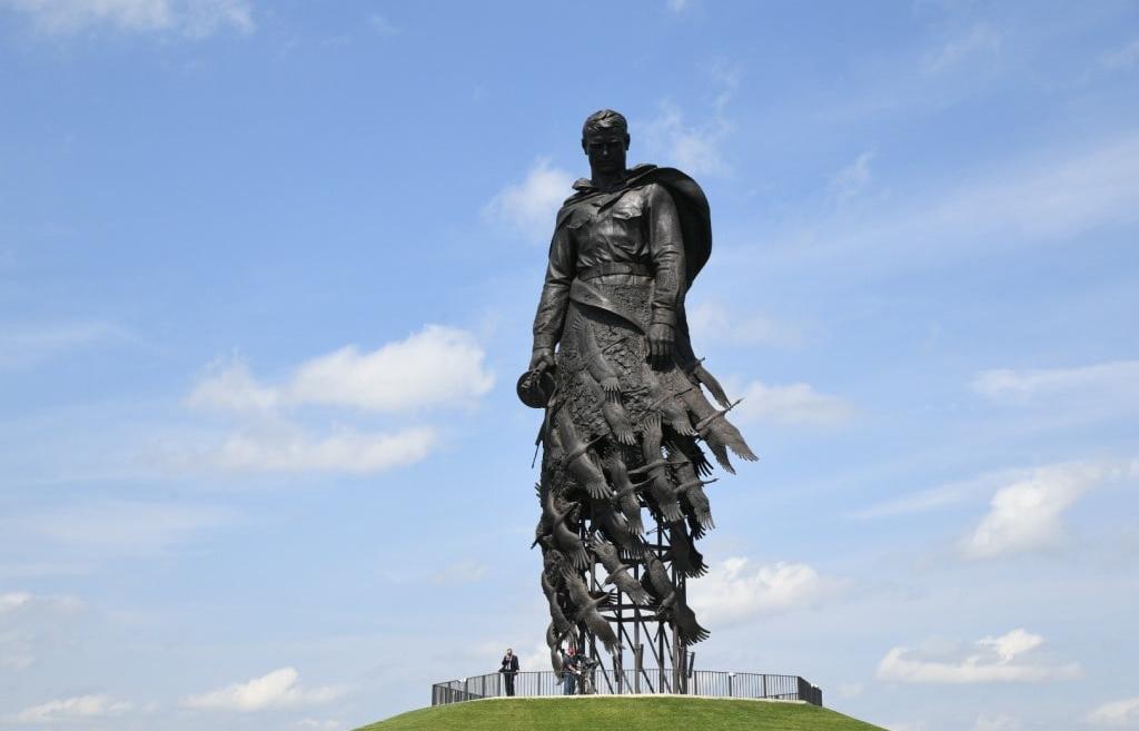 Официальное открытие Ржевского мемориала Советскому солдату состоялось при участии Владимира Путина - новости Афанасий